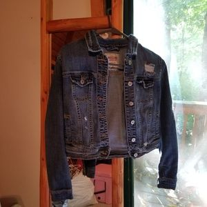 Fitted Dark Denim Jacket with Trendy Tears